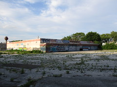 Former Cousins supermarket (tehshadowbat) Tags: abandoned urban decay philly northphilly grocery supermarket