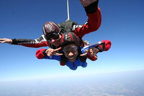 R_3PN73rhohIQz8TH_skydive_Bibi_gnagno