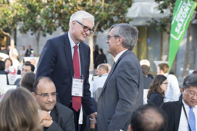 Neil Pedersen speaking with José Viegas