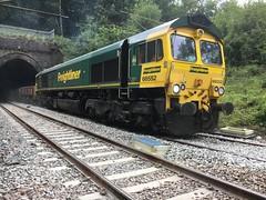 Maltby Raider (Sam Tait) Tags: freightliner portal north tunnel england bedfordshire bedford ampthill engine loco locomotive diesel freight gb railway rail coal uk ukcoal raider maltby maltbyraider class66 class 66 66552