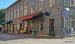 Haga lifetyme (@acastellonm) Tags: sweden suecia haga gothenburg gotemburgo goteborg scandinavia distric barrio shop shopping tienda distrito bici bicicleta toldo