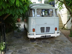 1970 Volkswagen Camper Van (Neil's classics) Tags: vehicle car van 1970 volkswagen camper vw camping motorhome autosleeper motorcaravan rv caravanette kombi mobilehome dormobile