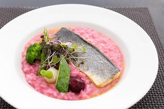 Fisch mit Gemüse und Rote-Bete-Risotto