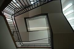 ... (UnprobableView) Tags: staircase escaleras escadas treppe munich munchen museum lenbachhusmuseum lenbachhus städtischegalerieimlenbachhausundkunstbaumünchen unprobableview manuelmiragodinho