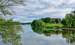 Lendemain d'orage (Diegojack) Tags: paysages lac brêt eau calme douceur zen reflets