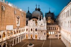 palazzo ducale (dasu_) Tags: bauten cityscape italien landschaft orte venedig night palazzoducale dogenpalast nikon nikond90 venice