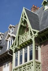 mers les bains (75) (jacobine2010) Tags: merslesbains oriel balcon bowwindow architecture balnéaire vertdeau ardoise