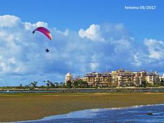 Isla Cristina. Huelva 31 Parapente (ferlomu) Tags: andalucia ferlomu islacristina mar nubes parapente huelva