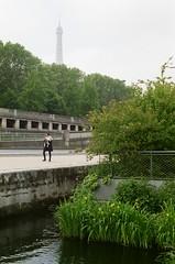 France 2017 - Pro 400H 09 ([Katsumi]) Tags: travel travelphotography paris europe france nikonfe nikkor50mmf14 fujicolorpro400h filmisnotdead laseine eiffeltower garden park jardinflottant