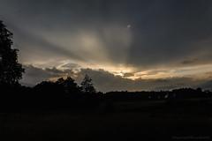 Ciel avant l'orage_1079 (lucbarre) Tags: ciel sky cloud clouds nuage nuages sunset coucher soleil sun soir soirée