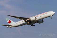 Air Canada B777-200 (C-FIUF) (Vince Amato Photography) Tags: 772 777 aca aircanada b772 b777200 boeing cfiuf cyyz canada ontario pearsoninternationalairport toronto yyz