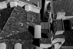 Les toits d'Escher (misterblue66) Tags: d3200 lisboa lisbonne nikon nikonpassion escher toiture toit noiretblanc nb bn bw
