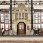 "Station Haarlem <a style=""margin-left:10px; font-size:0.8em;"" href=""http://www.flickr.com/photos/62259267@N04/34234268224/"" target=""_blank"">@flickr</a>"