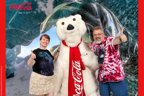 "Tracey and Scott with the Coca-Cola Polar Bear • <a style=""font-size:0.8em;"" href=""http://www.flickr.com/photos/28558260@N04/34364275893/"" target=""_blank"">View on Flickr</a>"