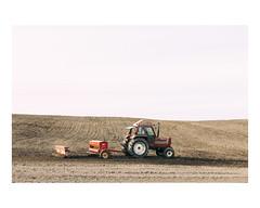 hébertville (Mériol Lehmann) Tags: vscofilm landscape sowing fields canada farm rural quebec tractor topographies hébertville québec ca