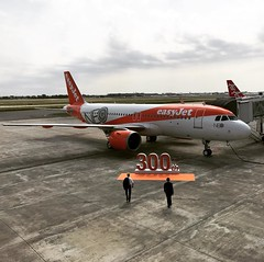 The very first #airbus #a320neo of @easyjet (aeroTELEGRAPH) Tags: plane air travel airport