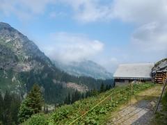 Mürtschenstock (sander_sloots) Tags: mürtschenstock alps swiss alpen zwitserse schweiz mountains cabin bergen hut hiking