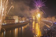 Un vestito di luci / A dress of lights (Pisa, Tuscany, Italy) (AndreaPucci) Tags: pisa tuscany toscana italy italia arno night luminara fireworks andreapucci canoneos60 sanranieri candles