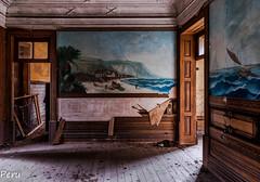 Escenas de Brasil (Perurena) Tags: casa house palacio palace salon livingroom frescos pinturas paintings molduras lujo luxury abandonoo decay escombros suciedad dirty urbex urbanexplore