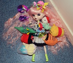 Pullip Moon RS with toys (Milky Lunacy Legacy) Tags: pullip doll toy cute kawaii plush peluche jouets tsum frozen