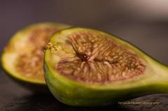 Figs (Capturedbyhunter) Tags: fernando caçador marques fajarda coruche ribatejo santarém portugal pentax k5 vivitar series 1 25 24 90 90mm fruta figs figos manual focus focagem foco bokeh macro