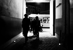 nightlife (ThorstenKoch) Tags: streetphotography street strasse silhouette schatten stadt night pov people picture photography pattern friday weekend city candit licht blackwhite bnw fujifilm fuji xt10