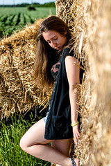 Light portrait (@Dpalichorov) Tags: portrait portraite people blur bokeh human girl women sexy nikond3200 nikon d3200 hay field comfield cane rush reed frail calamus beautiful kid outside sun light hot autofocus farm