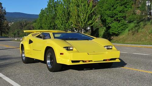 Pontiac Fiero Lamborghini Transport