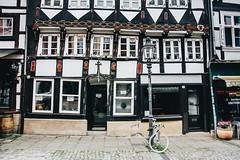 1590 style (lina zelonka) Tags: braunschweig brunswick germany linazelonka deutschland europe europa magniviertel fachwerk fachwerkhaus halftimbered bike fahrrad house architecture 1590 nikond7100 18105mm niedersachsen lowersaxony