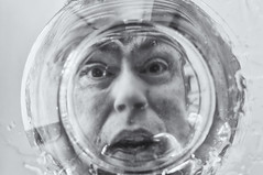 Wet head (glukorizon) Tags: 52weeksof2017 blackandwhite dish glas glass head hoofd liquid luc monochrome monochroom onderwater schaal selfie servies submerged tableware underwater vloeistof water zelfportret zwartwit