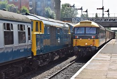 """47712 """"Lady Diana Spencer"""" brings her train into Bury from Heywood, passing Maybach diesel-hydraulic combination of D7076 and D832 """"ONSLAUGHT"""", ELR Diesel Gala (colin9007) Tags: railway lancashire east diesel gala bury beyer peacock mekydro hymek maybach class 35 type 3 hydraulic d7076 brush 4 47 coco sulzer 477 47712 lady diana spencer"""