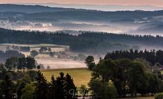 Sunrise @ Allegre - Auvergne - France [Explored 11-7-2017] (Henk Verheyen) Tags: allegre fr france frankrijk landscape landschap fog mist sunrise zonsopkomst