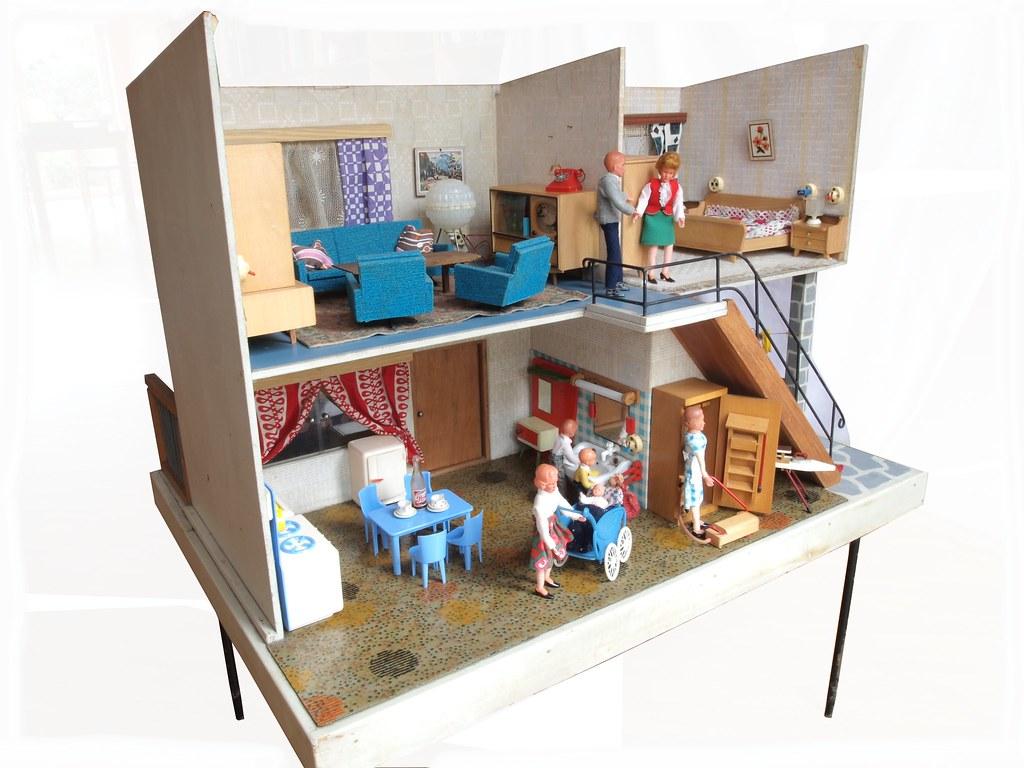 1960er DDR Puppenhaus (diepuppenstubensammlerin) Tags: Puppenmöbel Kleine  Möbel Puppenstubenpuppen Miniaturen Furniture Retro Old