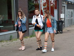 the team (digitris) Tags: street candid summer city girls shorts socks colorful canong7xmarkii g7xmarkii digitris digitri
