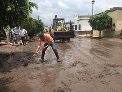 WhatsApp Image 2017-07-01 at 10.01.42 PM(7) (Pancho Domínguez) Tags: lluvias sjr sanjuandelrío querétaro querétaroestáennosotros qro hombroconhombro apoyo inundación xajay starosa