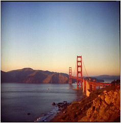 .polka dot signs say that this place is a state of mind (Herr Benini) Tags: sanfrancisco kiev88 goldengatebridge analog 6x6 film red brücke ponte bridge sf usa america