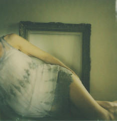 Portrait of a woman II (l'imagerie poétique) Tags: limageriepoétique poeticimagery portraitofawomen reflectioninmirror frame feminine sensual goldenlight painterly