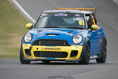 * Fastest Mini in the World Allcomers ({House} Photography) Tags: mini festival 2017 brands hatch uk kent fawkham indy circuit car automotive racing motorsport motor canon 70d housephotography timothyhouse sigma 150600 contemporary fastest world allcomers keith issatt srr sussex road race
