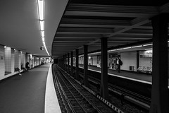 Rathaus-waiting in the walls /  tightly knit fabric (Özgür Gürgey) Tags: 2016 20mm bw d750 hamburg nikon voigtländer architecture building leading lines rails repetition waiting germany rathaus
