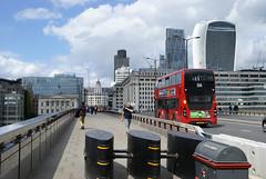 London Bridge (ChiralJon) Tags: redbus architecture london 伦敦大桥 倫敦大橋 лондон ponte londra pont londres puente ロンドン橋 most londyński 런던 barricades bridge attaque terreur attacke attacco terrore terror attack новости nachrichten pod мост londen brug brücke