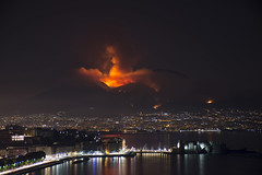 DSC_0223_Vesuvio Incendiato (stefanizzi.marco) Tags: vesuvio incendio napoli mare lungomare notte fuoco fumo