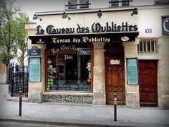 ESQUINA DE PARIS (dirceu1507) Tags: paris france frança bars bares pub fotosenlacalle nikon streetphoto 扫街