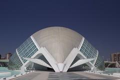 Hemisfèric (@WineAlchemy1) Tags: valència calatrava spain 12treasuresofspain planetarium imax hemisfèric ciudaddelasartesylasciencias ciutatdelesartsilesciències eyeofknowledge symmetry architecture