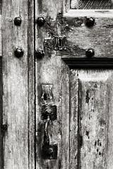 _1090487 bw (doug_r) Tags: 1090487 londonengland stpaulscathedral door wood panasonicgf1 panasonic20mmf17 bw blackandwhite blancoynegre blancetnoir lrpsconversionpostprocessing