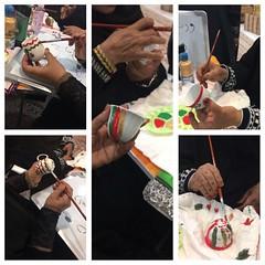 . كبار السن بخورفكان يشاركون في ورشة إعادة التدوير (صبغ وتزيين الفناجين). #دائرة_الخدمات_الاجتماعية #رمضان #خورفكان #كبار_السن (sssdshj) Tags: دائرةالخدماتالاجتماعية رمضان خورفكان كبارالسن