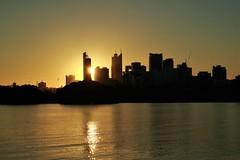 Sunset on Perth (Val A[d]venture) Tags: valadventure valaventure canon eos eosm3 perth photography backpacker voyage voyageur aussie oz australie westernaustralia australia trip travel city architecture landscape paysage