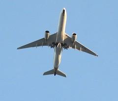Plane heading to Tullamarine (damoN475photos) Tags: plane aeroplane heading to tullamarine tottenham 2017