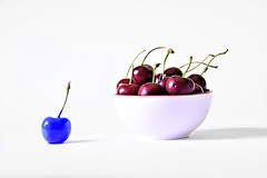 Project 365 - 7/4/2017 - 185/365 (cathy.scola) Tags: project365 odc cherries cherry independent individuality red white blue bowl food fruit different unique