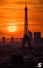 Mme Eiffel (A.G. Photographe) Tags: anto antoxiii xiii ag agphotographe paris parisien parisian france french français europe capitale d810 nikon sigma 150600 toureiffel eiffeltower ladéfense sunset