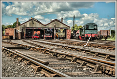 The King and the Frog (david.hayes77) Tags: didcot oxfordshire 2017 didcotrailwaycentre 81e 6023 kingedwardii kingclass 5322 43xxclass 08742 08604 class08 shunter trackwork points steam steamlocomotives greatwesternrailwaycompany gwr frog fishplate phantom